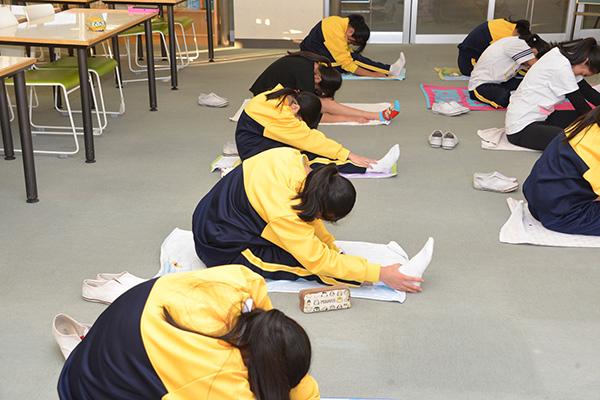 中学2年生 第2回乙女塾 「体質診断とヨガ」