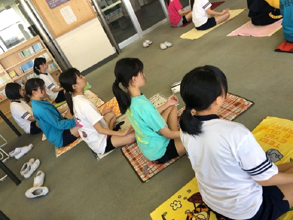 中学3年生 第1回乙女塾 「体が変わるヨガ」